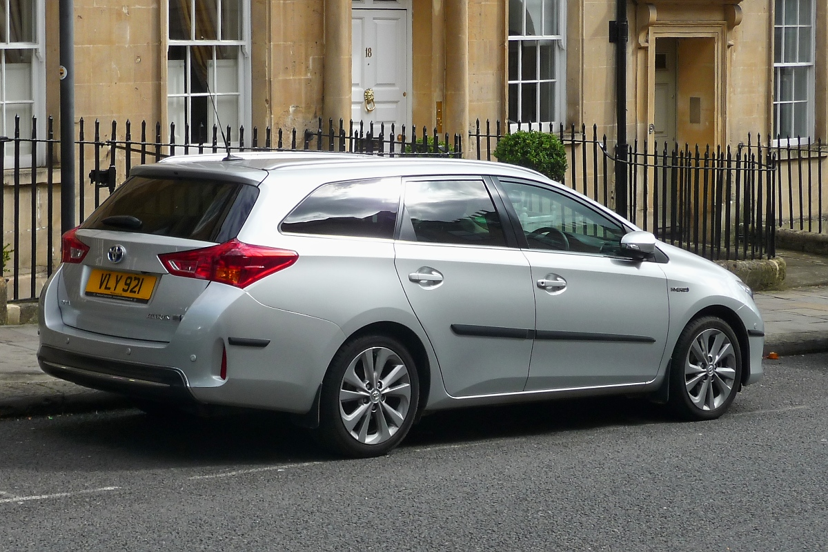 Toyota Auris Hybrid in Bath, 16.9.16