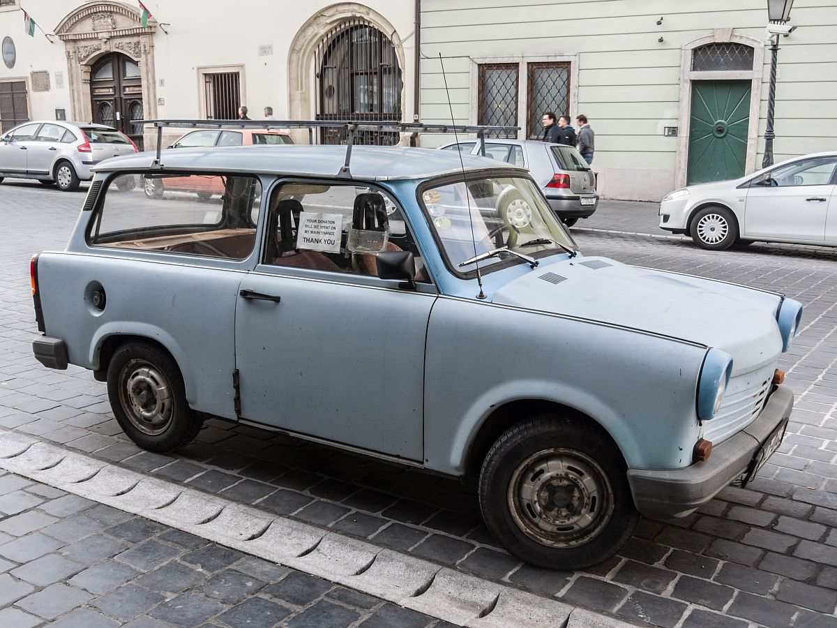 trabant 1 1 your donations will be spent on my maintenance budapest burgviertel am. Black Bedroom Furniture Sets. Home Design Ideas
