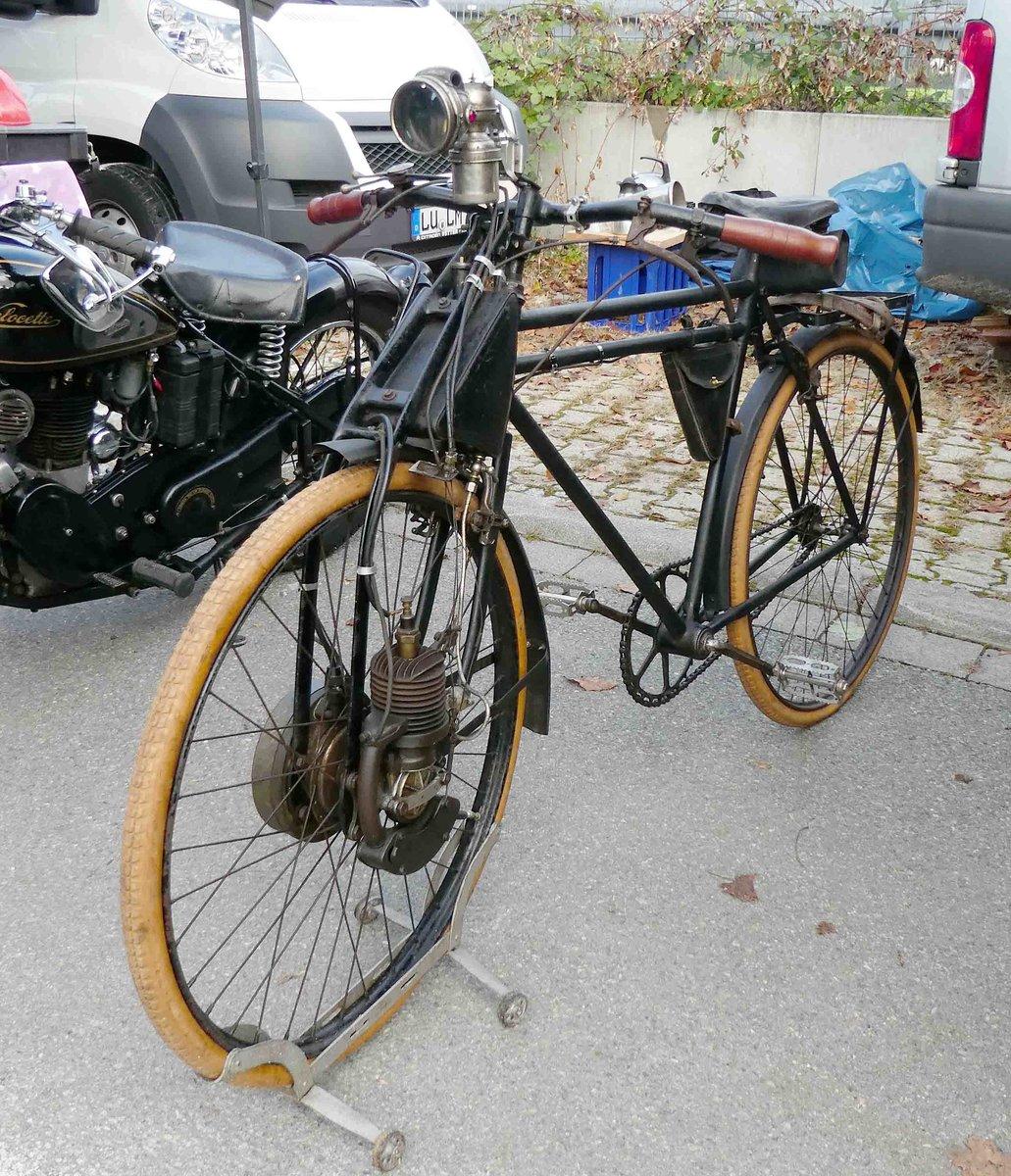 fahrrad mit hilfsmotor der rahmen ist von nsu der motor. Black Bedroom Furniture Sets. Home Design Ideas
