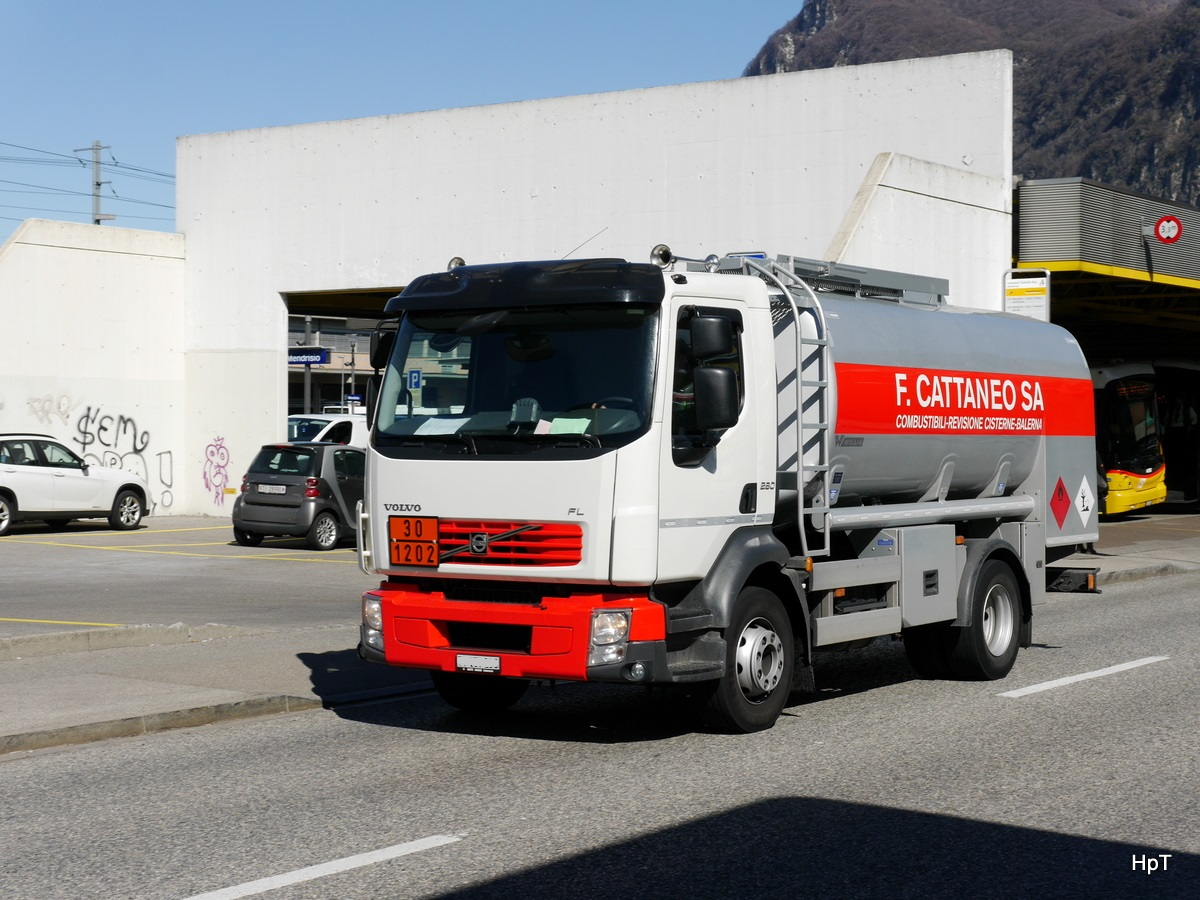 Volvo FL 280 Tanklastwagen unterwegs in Mendrisio am 10.03.2016