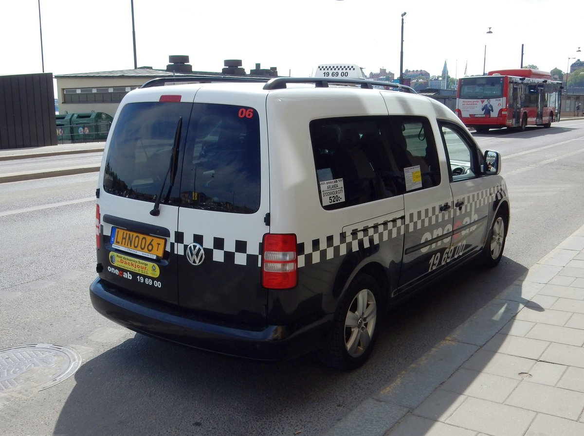 VW Caddy als Taxi in Stockholm am 21.05.18