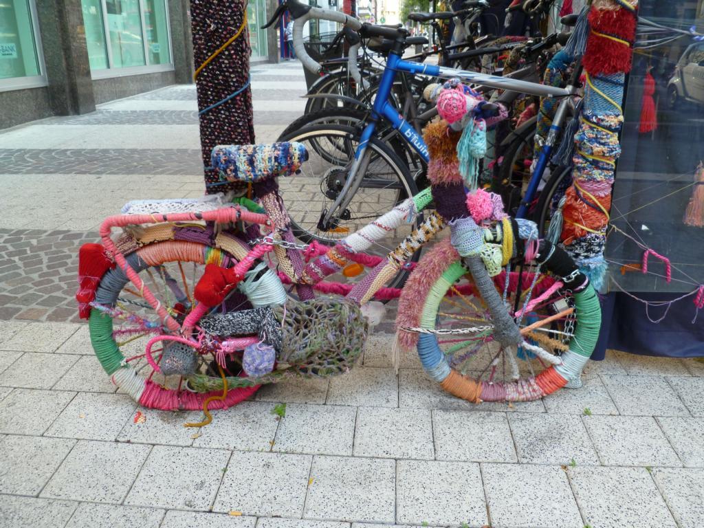 wollfahrrad gesehen in der n he des hauptbahnhofs luxembourg am. Black Bedroom Furniture Sets. Home Design Ideas