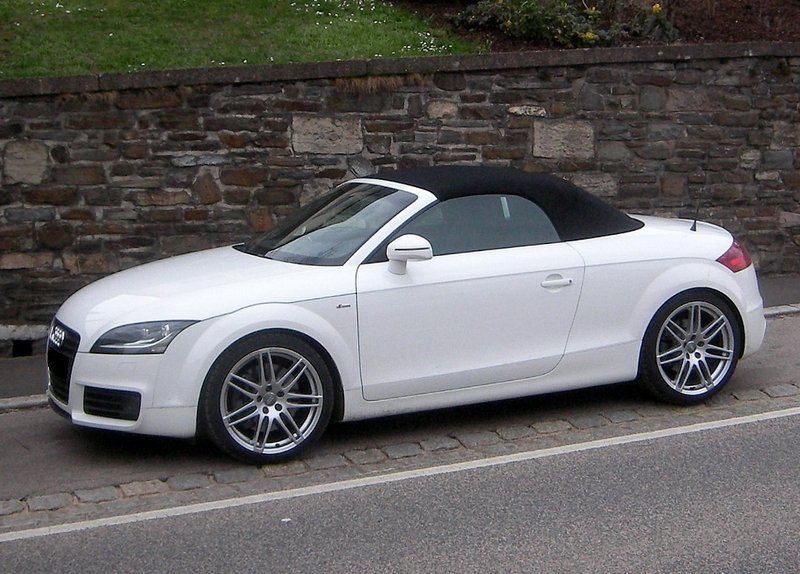 audi tt roadster s line fotografiert am. Black Bedroom Furniture Sets. Home Design Ideas