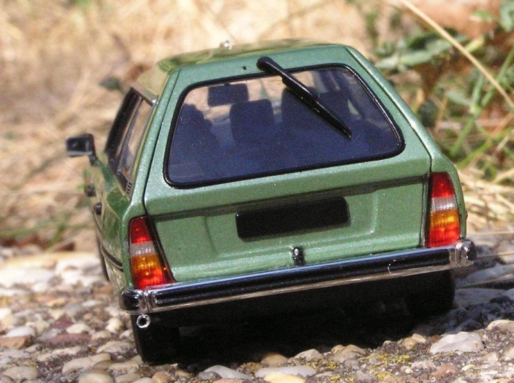 Citroen CX Break Rückansicht. Massstab: 1/43