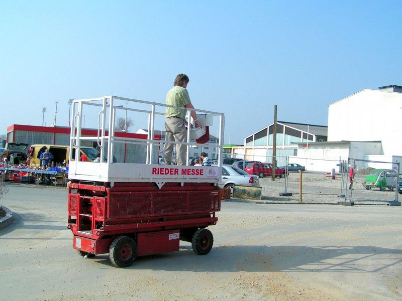 fahrbare arbeitsb hne gebraucht gebrauchte traktoren mit allrad. Black Bedroom Furniture Sets. Home Design Ideas