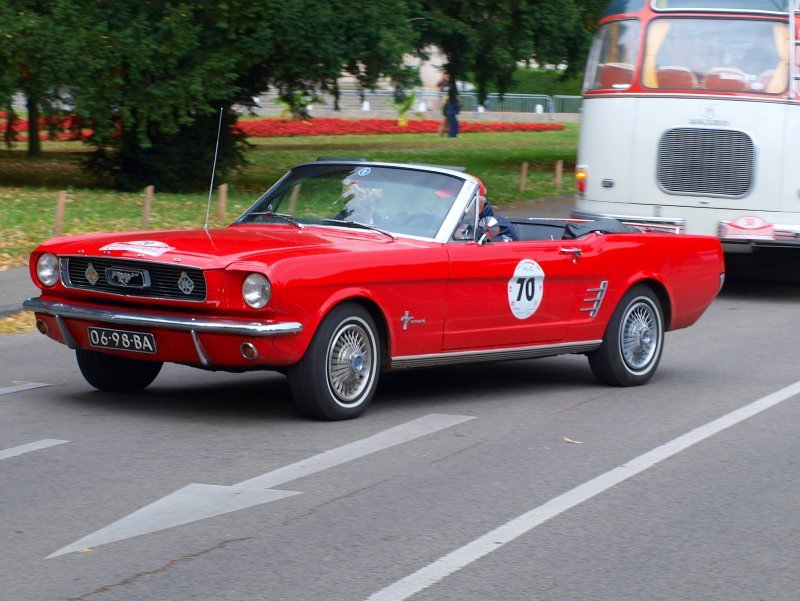ford mustang cabrio baujahr 1966 120 ps gesehen am in aachen bei der rallye. Black Bedroom Furniture Sets. Home Design Ideas
