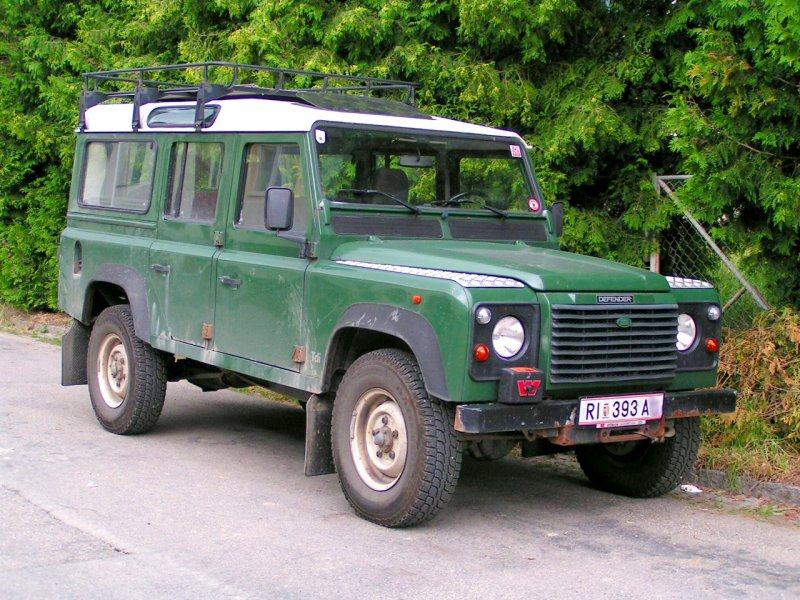 Land Rover  Defender ;080624
