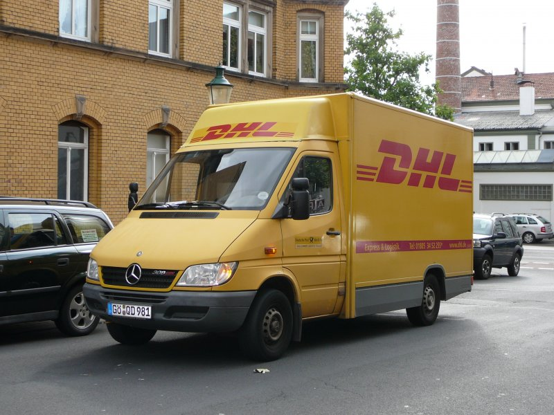 mercedes benz sprinter 308 cdi als pakettransporter der dhl am in fulda. Black Bedroom Furniture Sets. Home Design Ideas