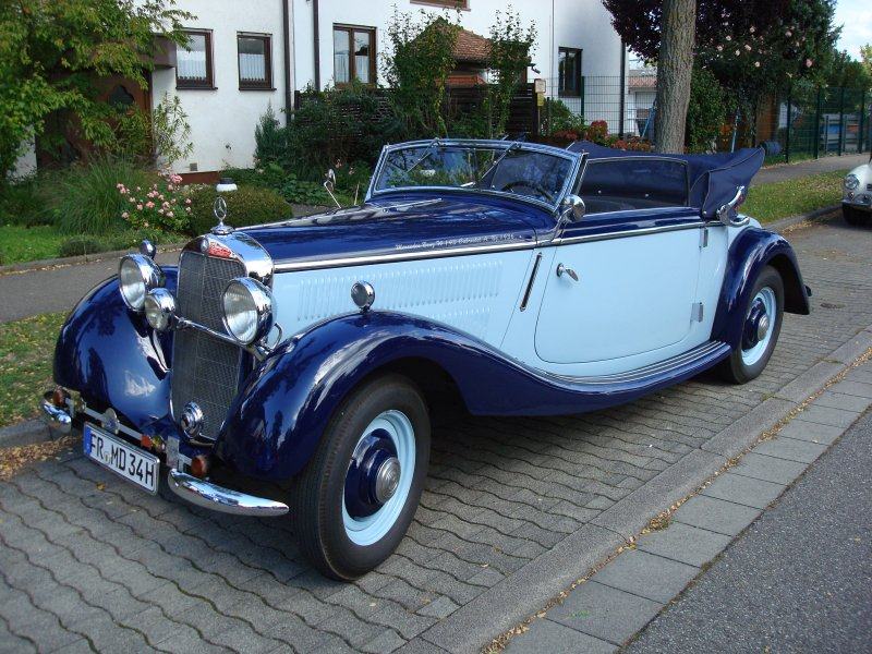 mercedes benz w 143 cabriolet oldtimertreffen freiburg hochdorf. Black Bedroom Furniture Sets. Home Design Ideas