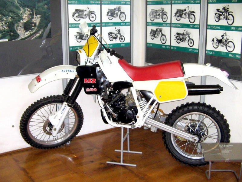 Yamaha Vb