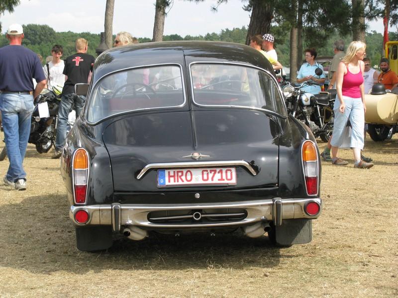 pkw tatra 603 limousine aus der hansestadt rostock beim 16. Black Bedroom Furniture Sets. Home Design Ideas