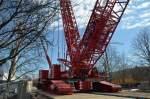 750 tonnen  Raupen-Kran von Riga-Mainz GmbH auf der U-Bahn Baustelle in Berlin.