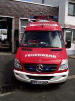 Mercedes Benz Sprinter ELW 1 Florian Maintal 1-11-1 steht am 19.05.13 in Maintal
