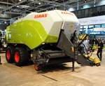 Claas Quadrant 5200 RC am 18.11.17 auf der Agritechnica in Hannover