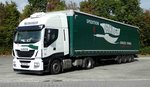 =Iveco-Sattelzug der Spedition  Denkinger  rastet in Fulda-Nord im September 2016