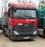 Mercedes Benz Arocs am 14.04.17 in Hanau in einen Industriegebiet