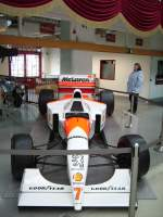 Ein Mc Laren Formel 1 Rennwagen in Technik Museum Speyer am 19.02.11