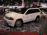 Jeep Grand Cherokee, fotografiert auf der Carstyling Tuning Show 2012.