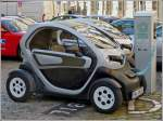 Renault Twizy an der Ladestation, 19.09.2013.
