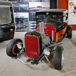 Ford Model A Hot Rod von 1928 in der Retro Car Show im Einkaufszentrum  Piterlend  in St.