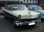 Ford Customline fourdoor Sedan des Modelljahres 1956.