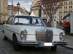 Ein Mercedes Benz W114 am 15.04.16 in Dresden.
