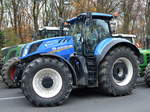 Ein NEW HOLLAND T7.315 Traktor am 26.11.19 Berlin Mitte.