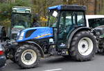 Ein NEW HOLLAND T4.100F Traktor am 26.11.19 Berlin Mitte.