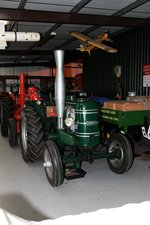 Field Marshall Series I in der Ausstellungshalle der Bredgar & Wormshill Light Railway (Südengland/Kent) am 02.09.2015